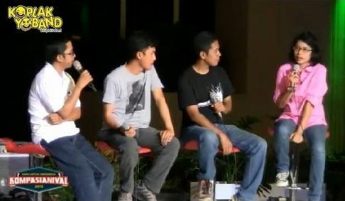 """Ditanggap jadi narasumber Kompasianival 2013 """"Berwisata Menikmati Indonesia"""" (dok. Koplak Yo Band)"""