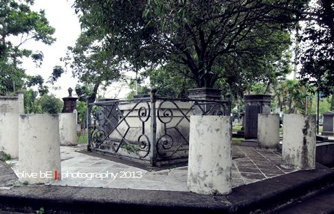 Makam Olivia Raffles di Taman Prasasti