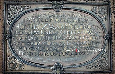Prasasti di atas makam Henricus Zwaardecroon