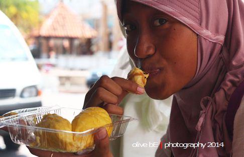 durian kancing baju