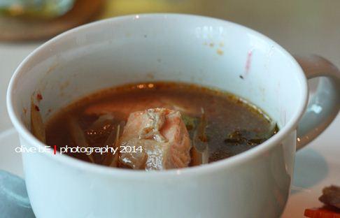 salmon tom yam soup