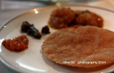 roti puri, signatures restaurant, hotel kempinski indonesia