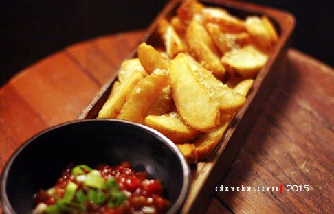 potato wedges, awan lounge