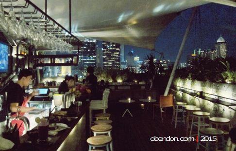 awan lounge, roof top bar