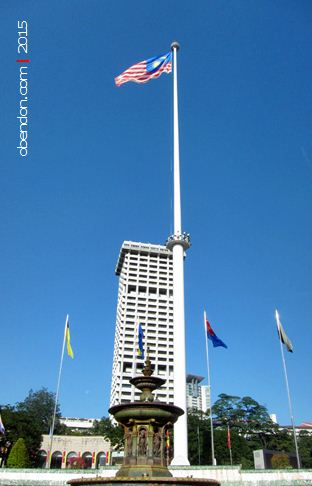 dataran merdeka, kemerdekaan malaysia, bendera malaysia, victoria fountain