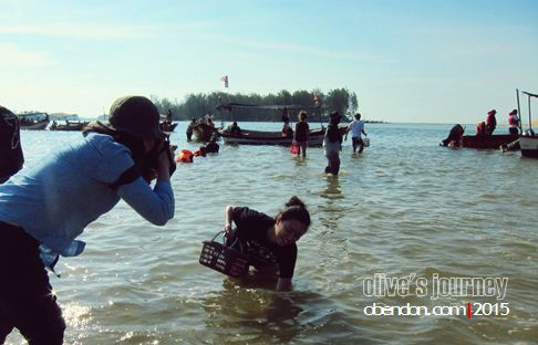 mengutip kepah, kuala terengganu, destinasi wisata malaysia, squidjigging