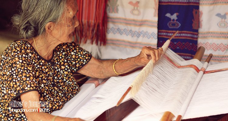 penenun toraja, Toraja Melo, toraja weaver, tenun toraja