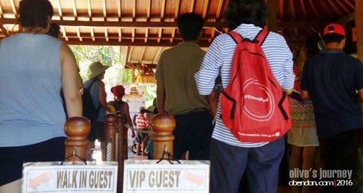 bali zoo, paket bali zoo, kebun binatang bali, the sanctoo villa
