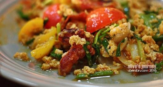 Poo Nim Pad Pong Karee, kepiting soka ala thailand, soft shell crab, kuliner thailand