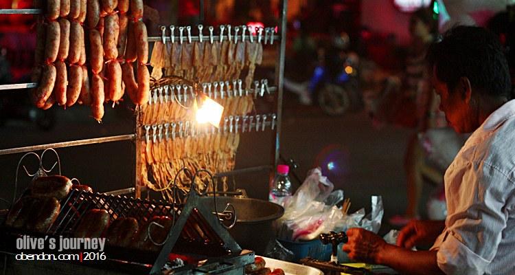 thai culinary journey, kuliner thailand, bbq thailand, sosis bakar thailand