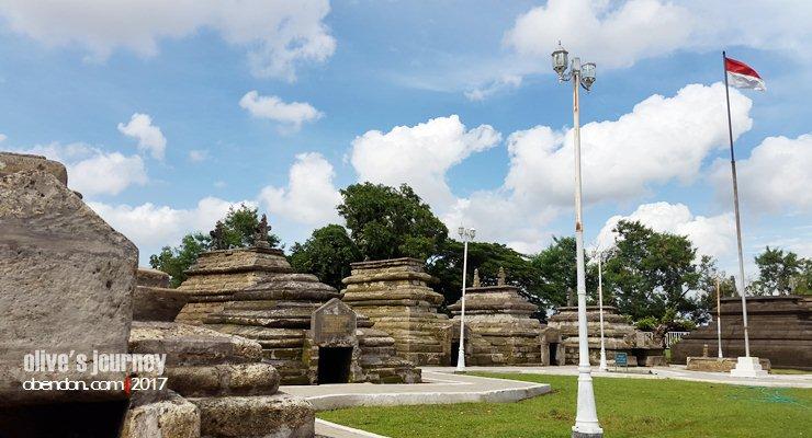 sultan hasanuddin, makam sultan hasanuddin, makam raja gowa, ayam jantan dari timur