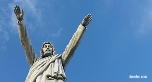 Buntu Burake, Patung Yesus Memberkati, Patung Yesus Toraja