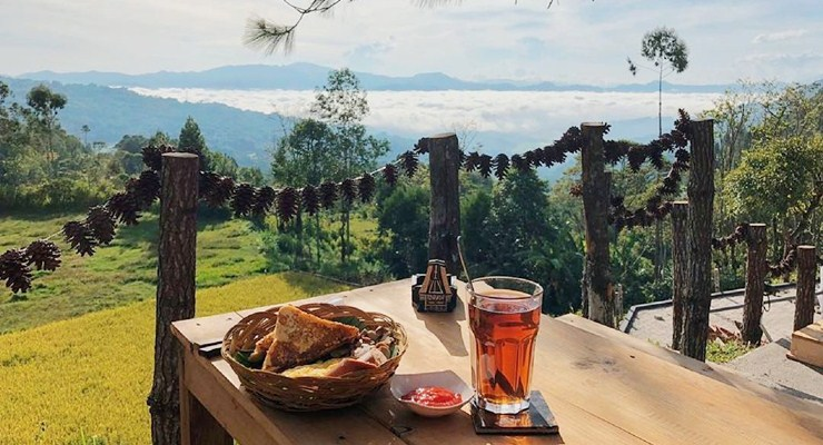 kapitoo cafe & resto, cafe kapitoo, kedai kopi di toraja, tempat hits di lolai toraja
