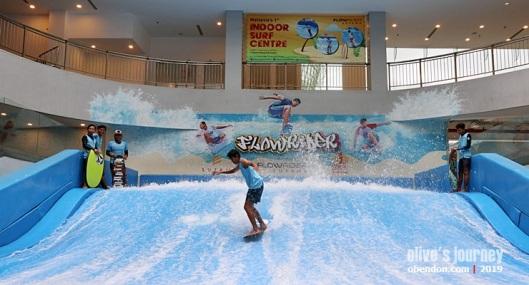 1 utama shopping centre, flowrider, indoor surfing, indoor surf centre