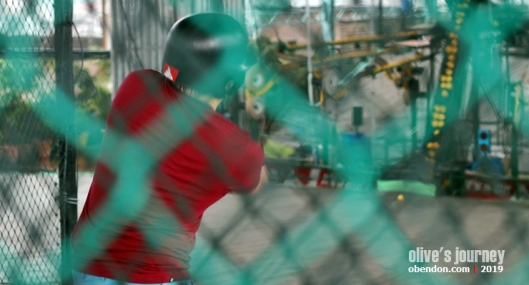 its a hit operating hours, its a hit, baseball at 1 utama