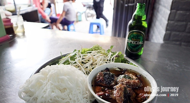 best bun cha in hanoi, must try bu cha, what is bun cha, apa itu pho, delicious pho in hanoi, bun cha 34