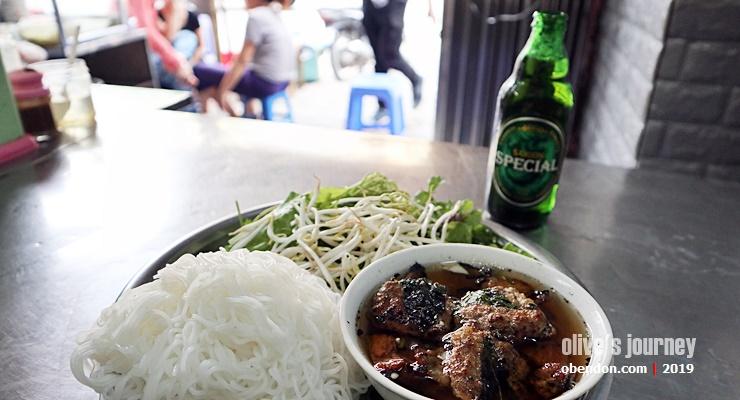 best bun cha in hanoi, must try bu cha, what is bun cha, apa itu pho, delicious pho in hanoi, bun cha 34