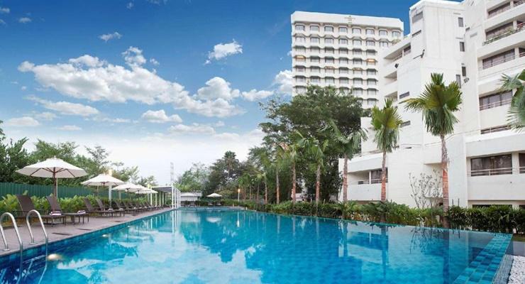 review dorsett grand subang, dorsett grand subang, swimming pool dorsett, hotel bintang lima di malaysia