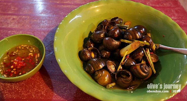 Oc Luoc Xa, snail food in hanoi, must try in hanoi, street food must try in hanoi