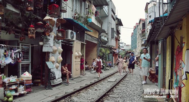 hanoi people, vietnam military museum, over tourism in vietnam, hanoi train street, where is hanoi train street