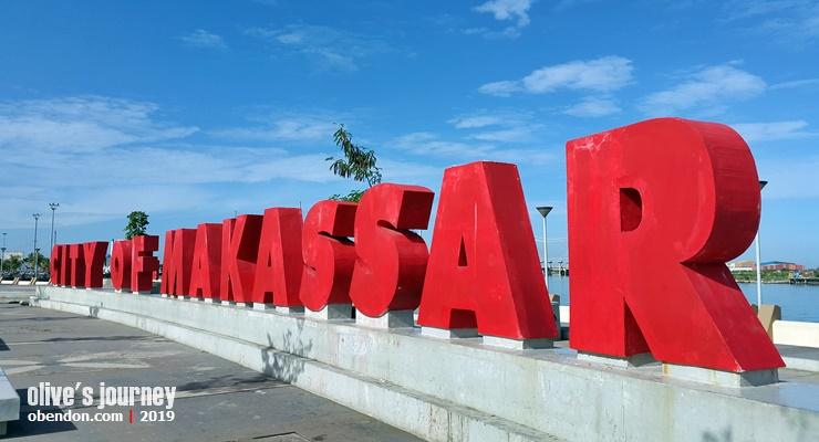 coto makassar bandara hasanuddin, makan coto makassar enak dimana, enaknya coto makassar, kuliner asik di makassar