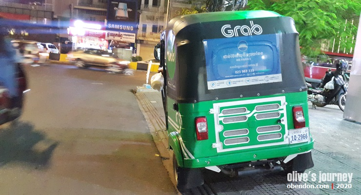 public transportation in cambodia, tuk tuk in phnom penh, how to take tuk tuk in cambodia