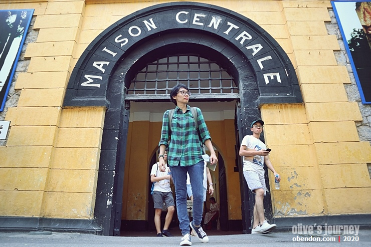 hoa lo prison, the hilton hanoi, night at the hoa lo prison, museum must visit in hanoi