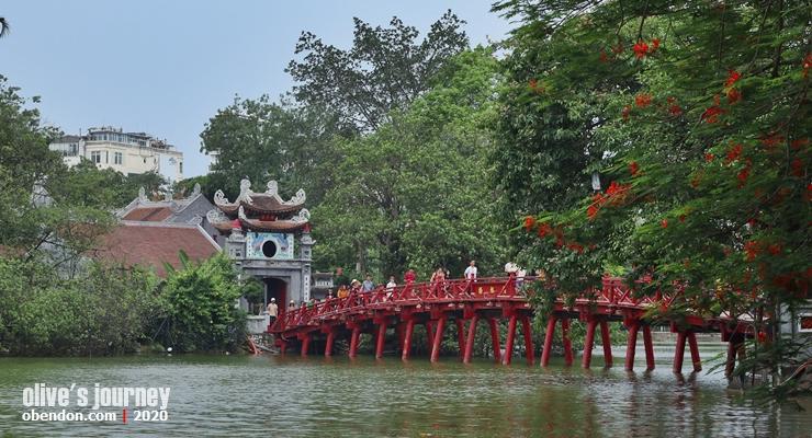 the huc bridge, the story of hoan kiem lake, history of hoan kiem lake, historical monument at hoan kiem lake